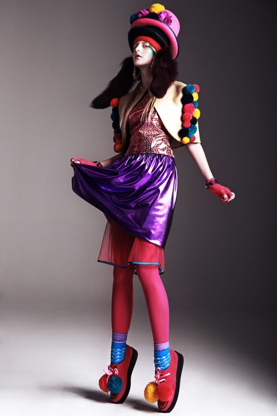clown pompoms3