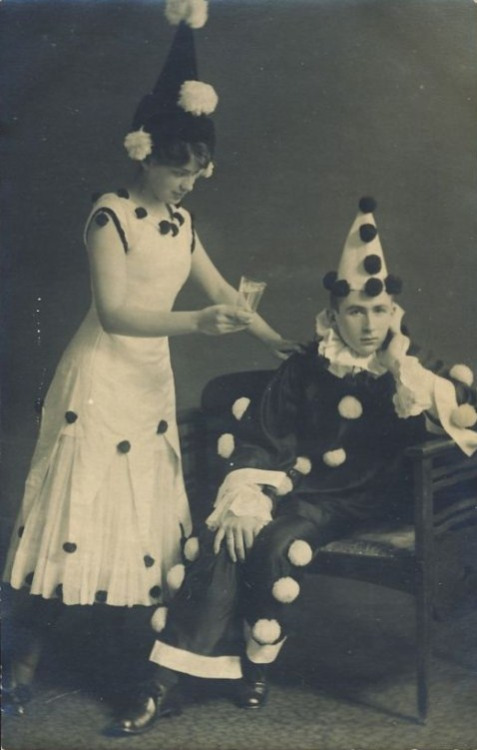 clownpompoms6