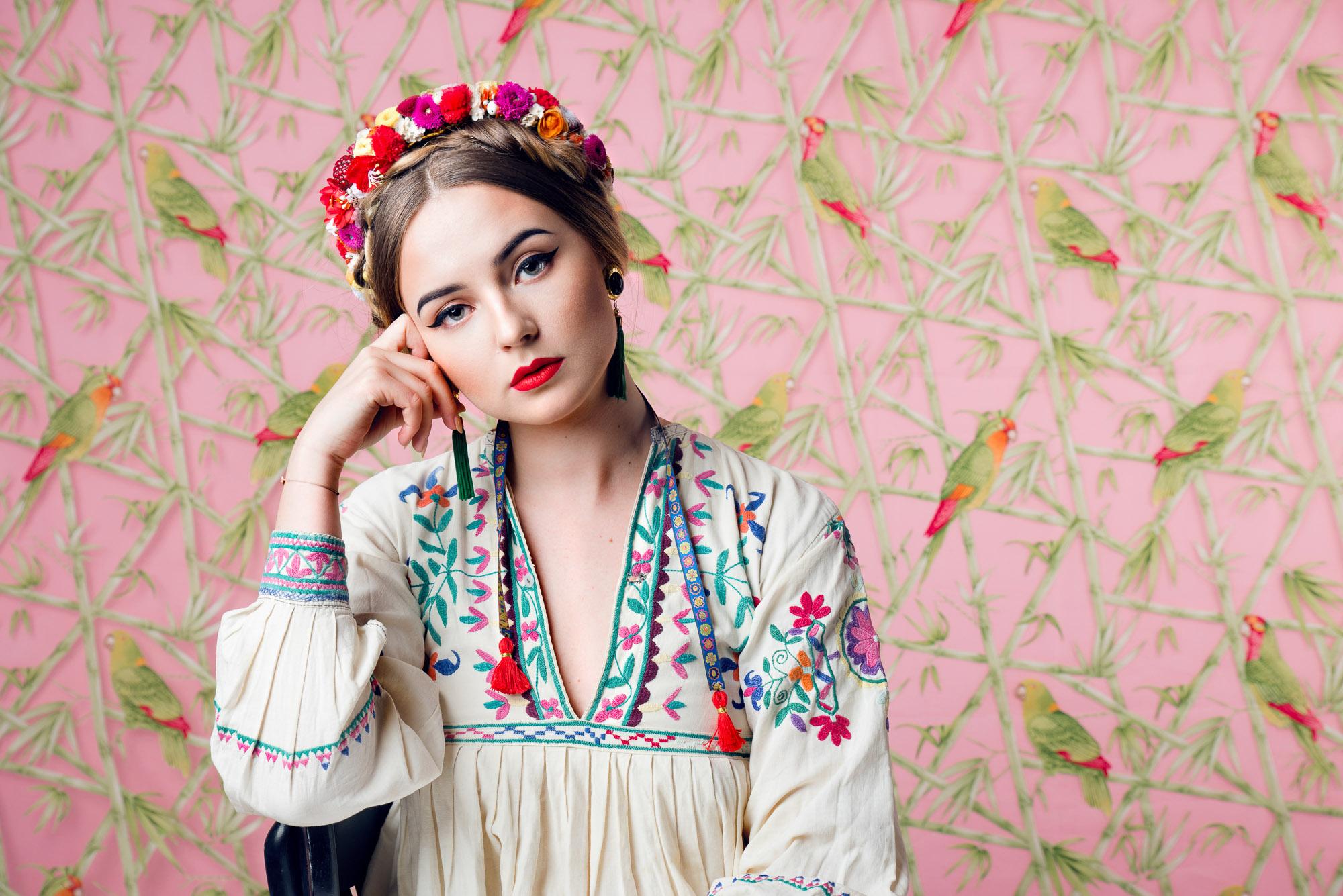 WeAreFlowergirls_SS16_Flowercrown_585-Laura+Karasinski_Lola_€95