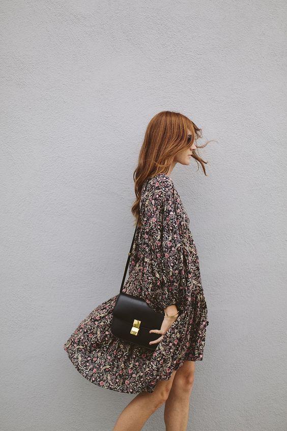 Herbststimmung-gebluemtes-Kleid