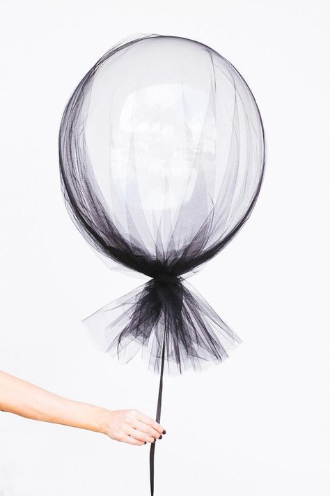 Halloween- Ballon-mit-Tuell