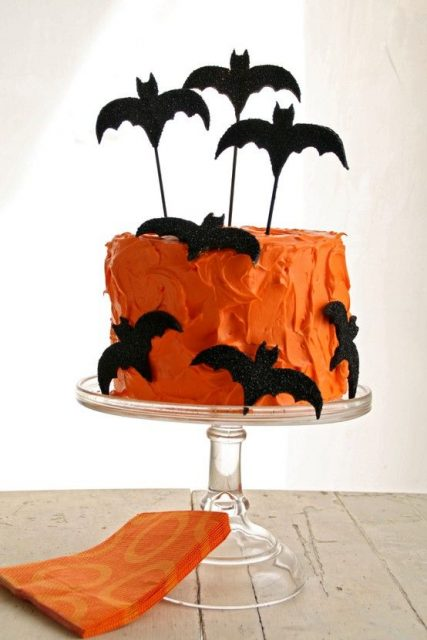 Halloween-Fledermaus-Torte