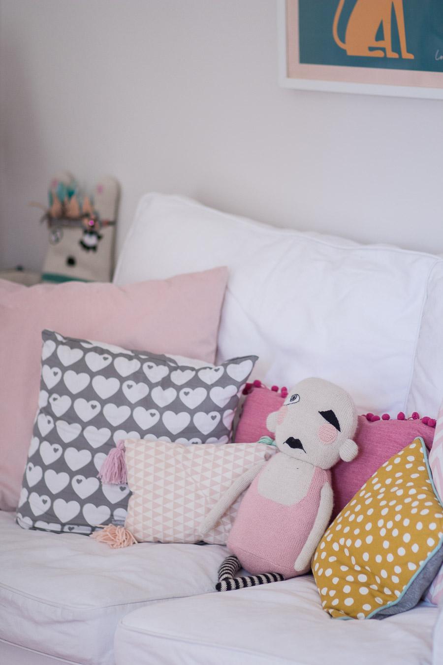 Nach Dem Sommer Habe Ich Die Couch (Ektorp Von IKEA) Umgestellt, Sie Ist  Aus Der Mitte Des Raumes In Eine Ecke Gewandert, Damit Das Große  Playmobil Schloss, ...